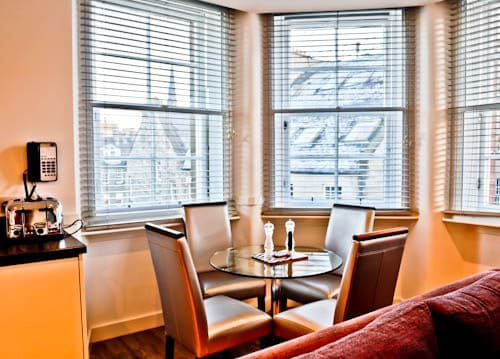 Serviced Apartments Edinburgh - Braid Apartments by Mansley - Dining Room