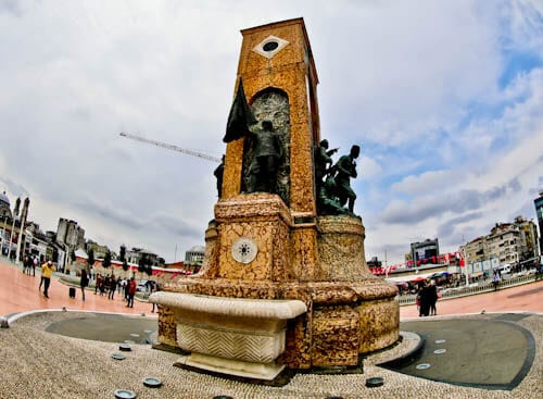 Things to do in Istanbul - Taksim Square