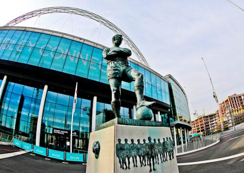 Wembley Stadium Tour Meeting Point - Bobby Moore Statue