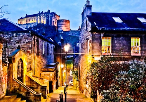 Edinburgh Landmarks + Top Instagram Spots - Vennel Viewpoint Edinburgh Castle