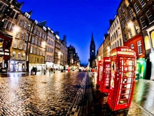 Edinburgh Landmarks + Top Instagram Spots - Royal Mile