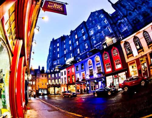 Edinburgh Landmarks + Top Instagram Spots - Victoria Street