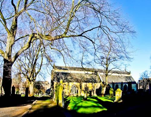 Edinburgh Landmarks + Top Instagram Spots - Greyfriars Kirkyard