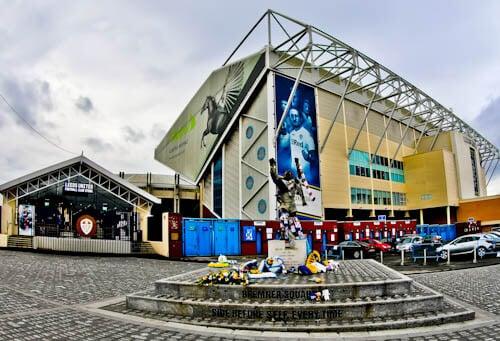 Elland Road Stadium Tour - Leeds United - Billy Bremner Statue