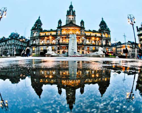 Glasgow Landmarks - George Square and Glasgow City Chambers