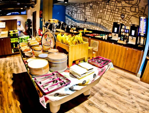 Hotels in Glasgow City Centre - Ibis Styles West - Complimentary Breakfast Buffet