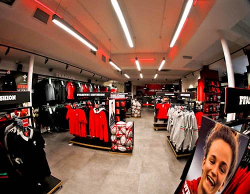 Principality Stadium Tour - Cardiff - Meeting Point - Welsh Rugby Union Store