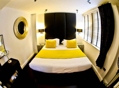 Strozzi Palace - Serviced Apartments Cheltenham - Guest Room