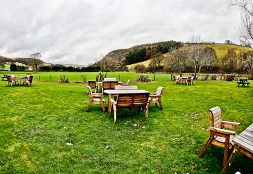 The West Arms - Hotels in North Wales - Beer Garden