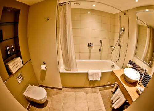 Staybridge Suites Extended Stay - Stratford City Hotels - Ensuite Bathroom