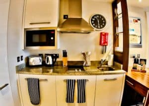 Staybridge Suites Extended Stay - Stratford City Hotels - Fully Equipped Kitchen