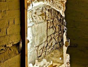 Rushton Hall - Priest Hole