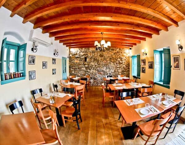 Manolis Tastes - Greek Restaurant Bar Cafe - Lipsi Island - Indoor Dining