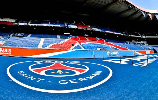Parc des Princes Stadium Tour - Paris Saint Germain Logo Photo Spot