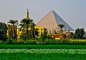How to Photograph the Egyptian Pyramids of Giza - Rice Fields