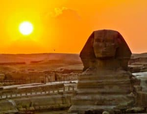 How to Photograph the Egyptian Pyramids of Giza - Great Sphinx with Color - sunset