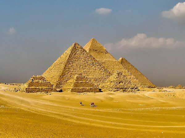 How to Photograph the Egyptian Pyramids of Giza - Six Pyramids Aligned