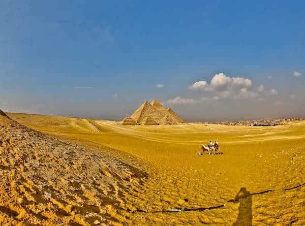 How to Photograph the Egyptian Pyramids of Giza - Six Pyramids Aligned exact location