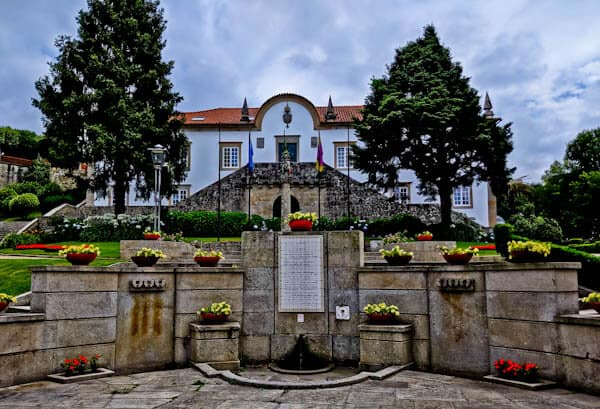 What to see in Ponte de Lima Portugal - Baroque Manor Houses