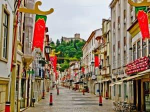 Things to do in Tomar Portugal - Rua Serpa Pinto Pedestrian Street
