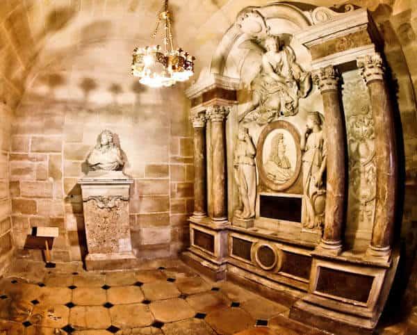 15 Reasons to Visit Saint Denis Basilica - Tomb of King Louis XIV