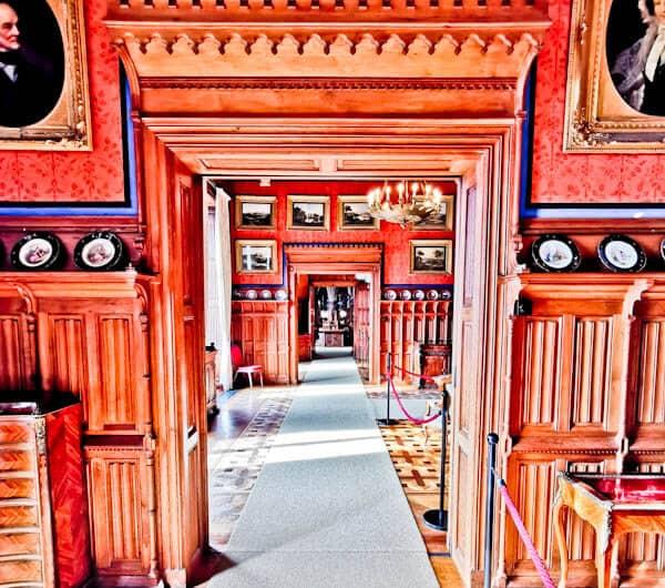 Queen's Rooms