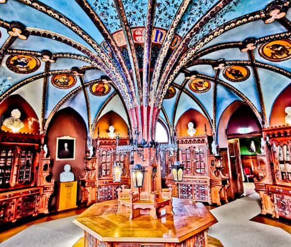 Queen's Library - Marienburg Castle