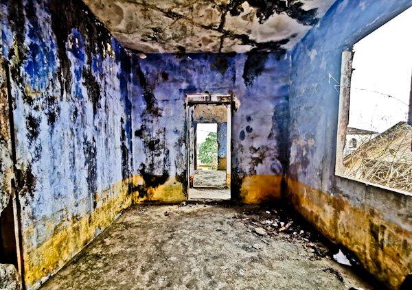 Explore Maison Ganamet interior - Grand Bassam