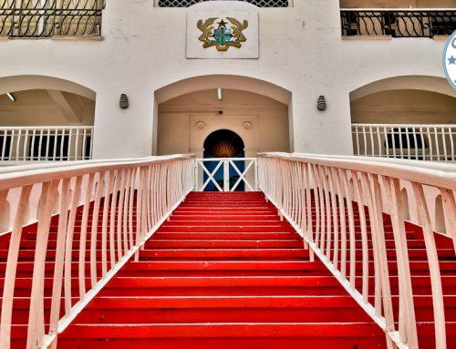 Visit Osu Castle in Accra Ghana – Slave Castles