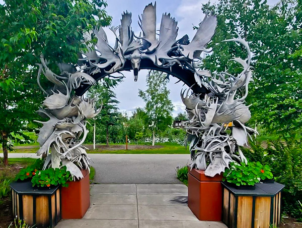 Morris Thompson Cultural & Visitors Center - Fairbanks