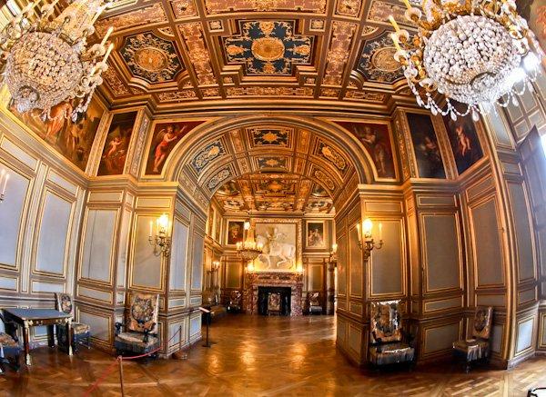 Saint Louis Rooms - Chateau de Fountainebleau
