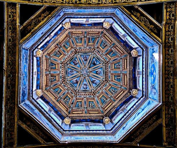 Chateau de Fontainebleau - Royal St. Saturnin's Upper Chapel