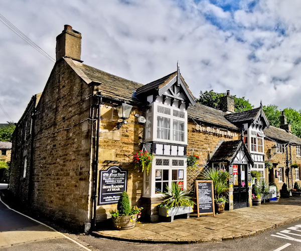 The Old Nags Head Pub - Start of the Pennine Way
