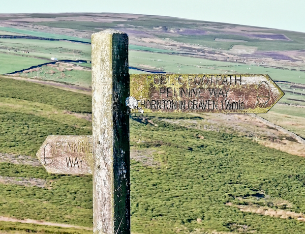 Pennine Way Stage 5 marker Post - Thornton in Craven